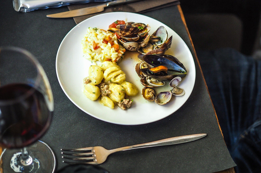 Mussels with risotto and gnocchi