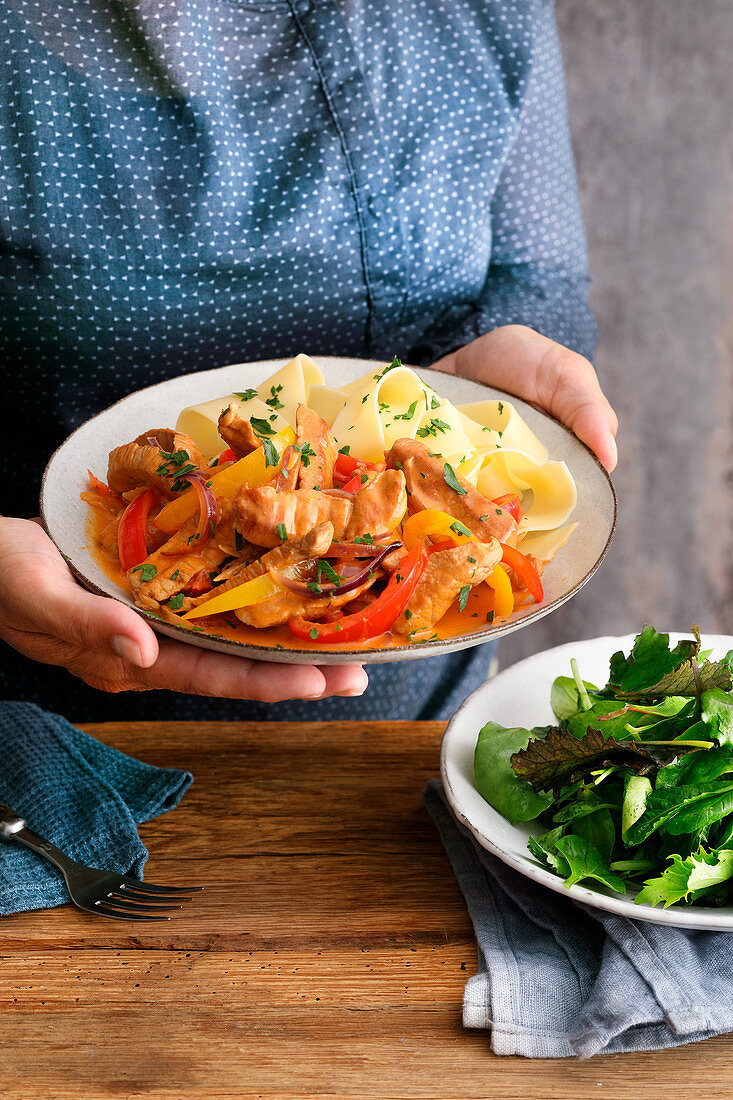Bell pepper and pork tenderloin pot with pappardelle
