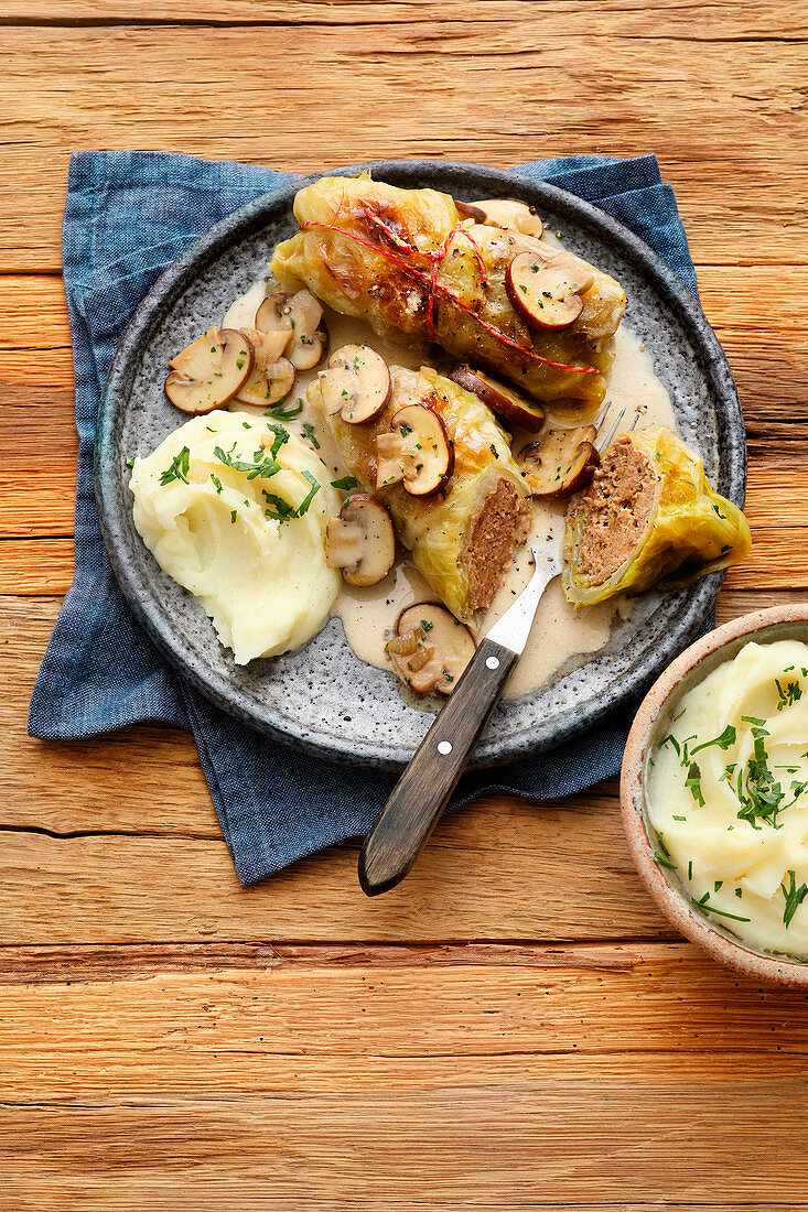 Cabbage rolls with mushrooms and mashed potatoes