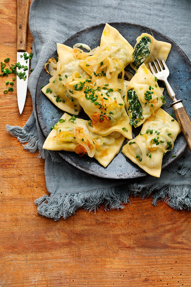 Vegetarian dumplings with spinach filling