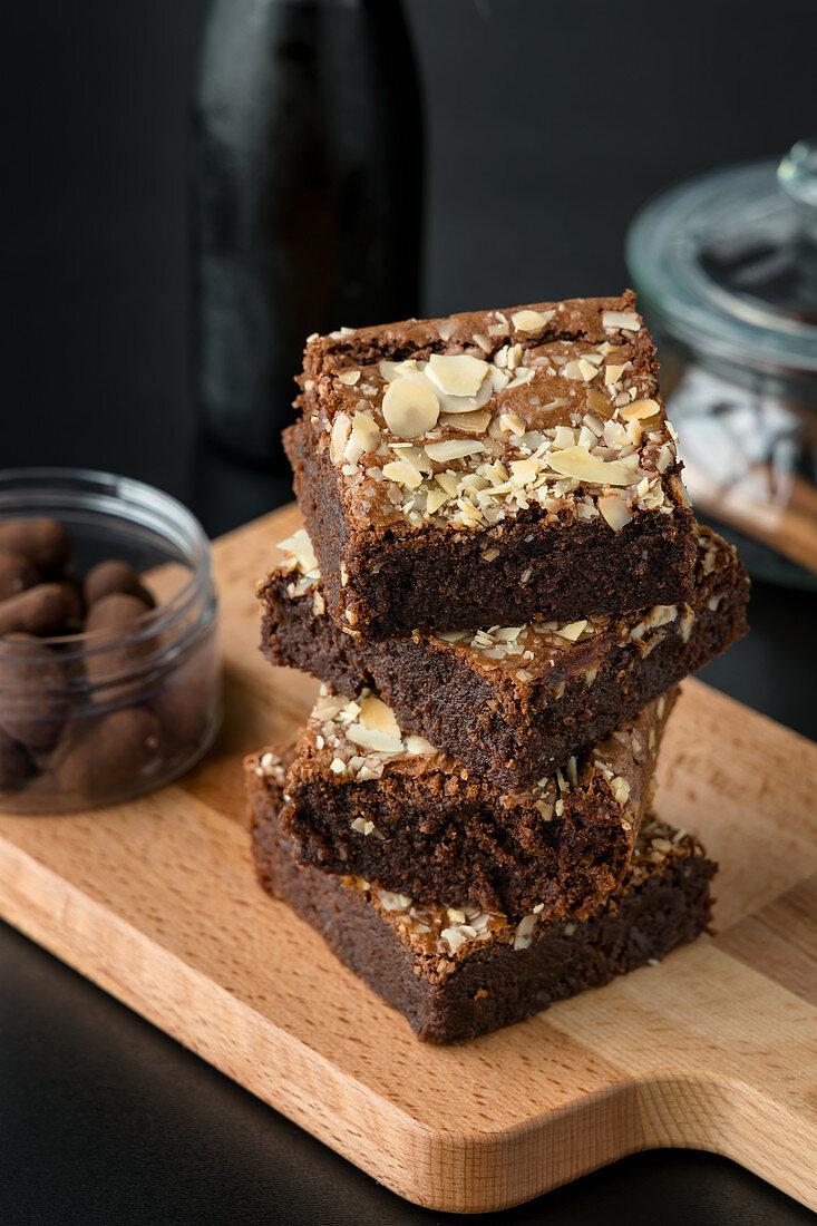 Dark chocolate and almond brownies