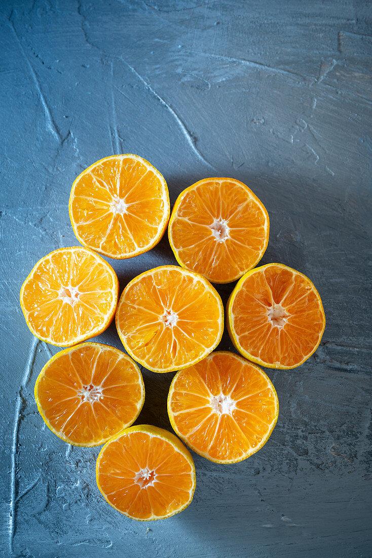 Clementines cut in half
