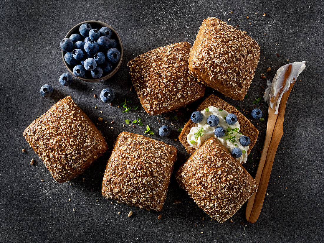 Multigrain rolls with cream cheese and blueberries