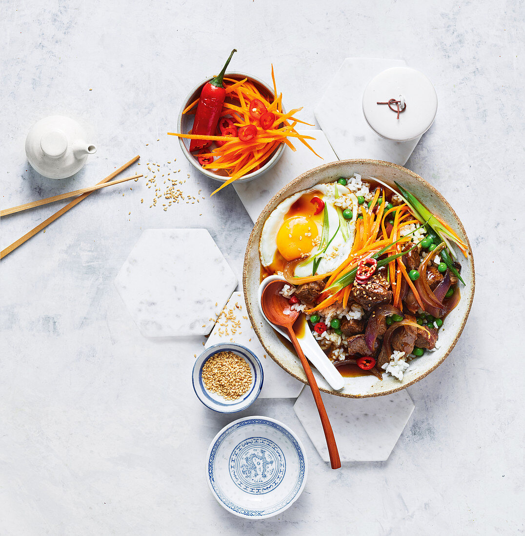 Japanese teriyaki beef donburi