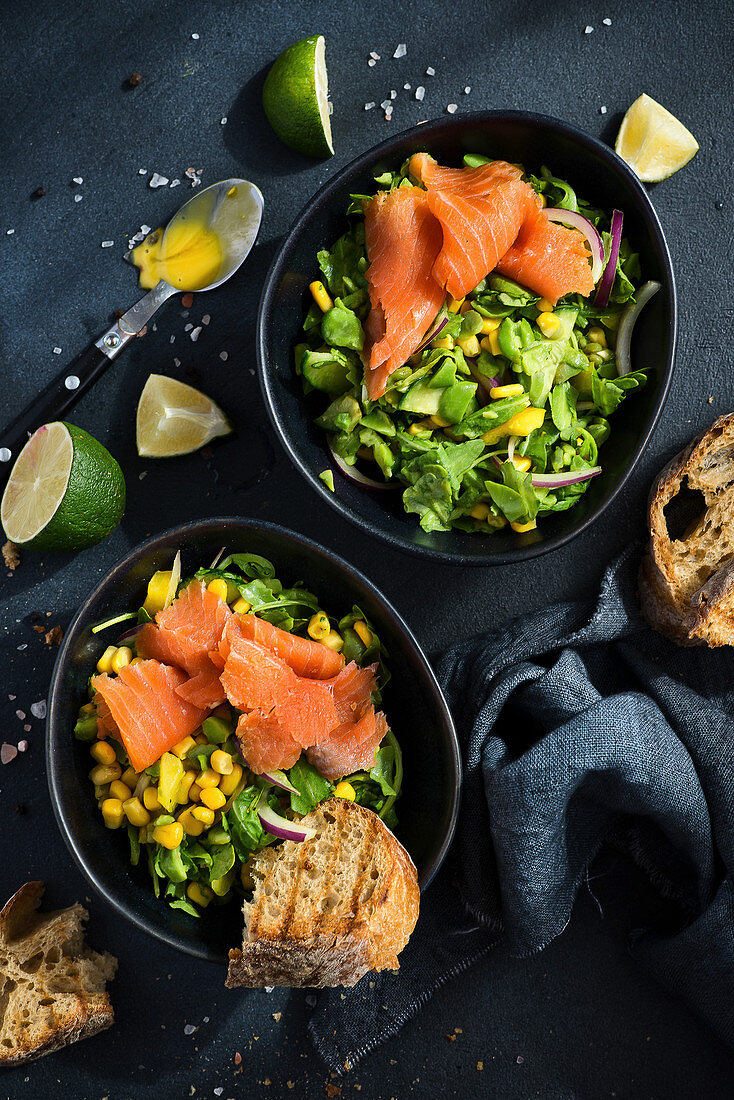 Salad with broad beans, cucumber, onion and smoked salmon