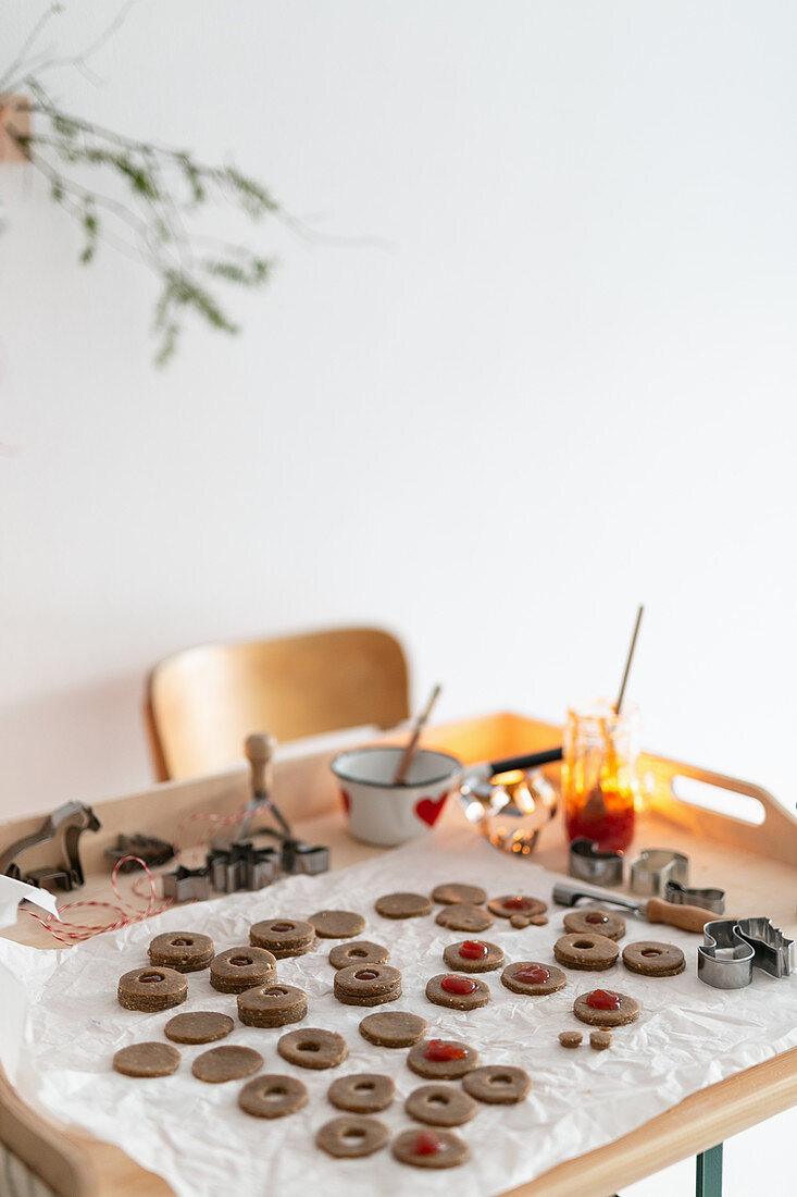 Christmas cookies with jam (unbaked)