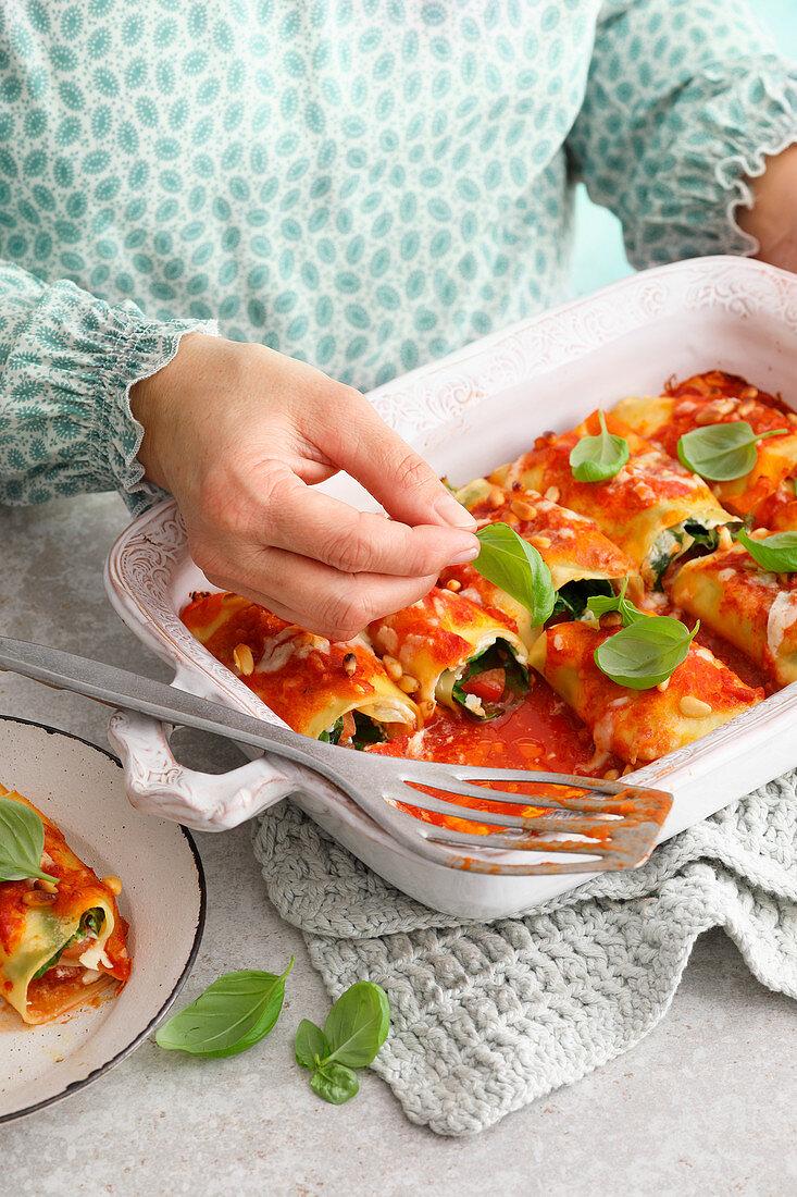 Pasta rolls 'al forno'