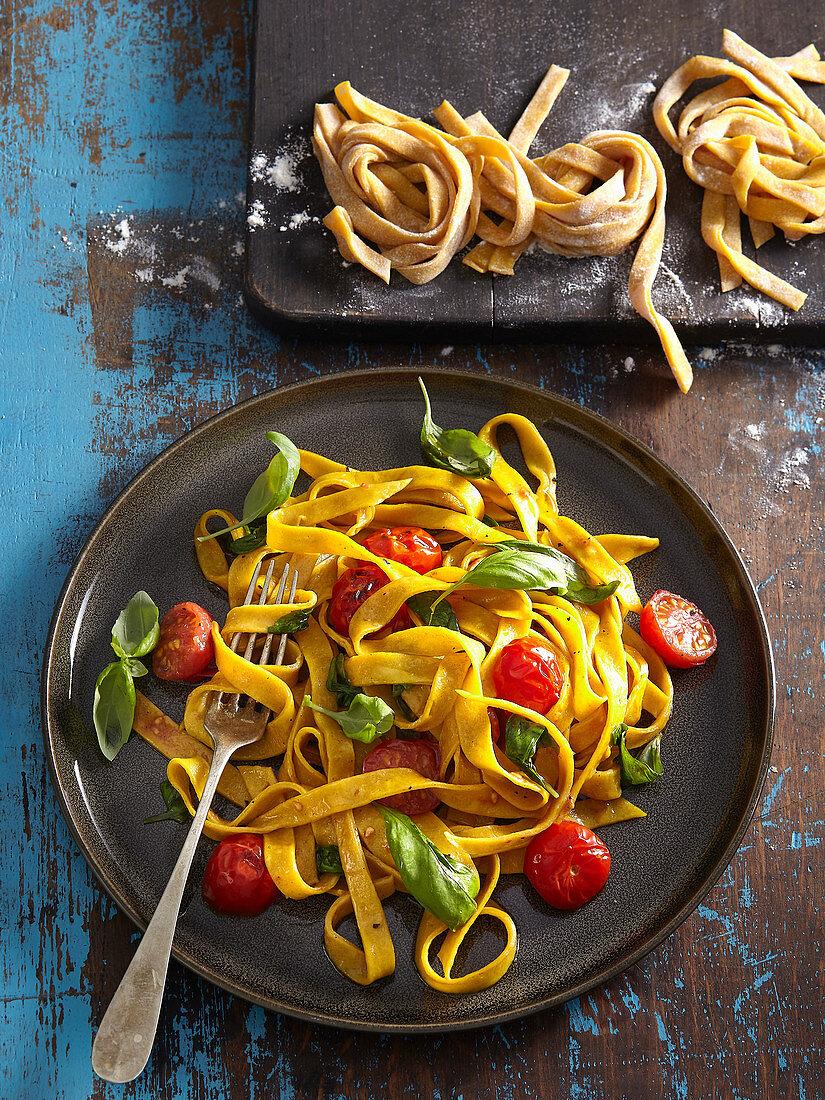 Turmeric (curcuma) noodles