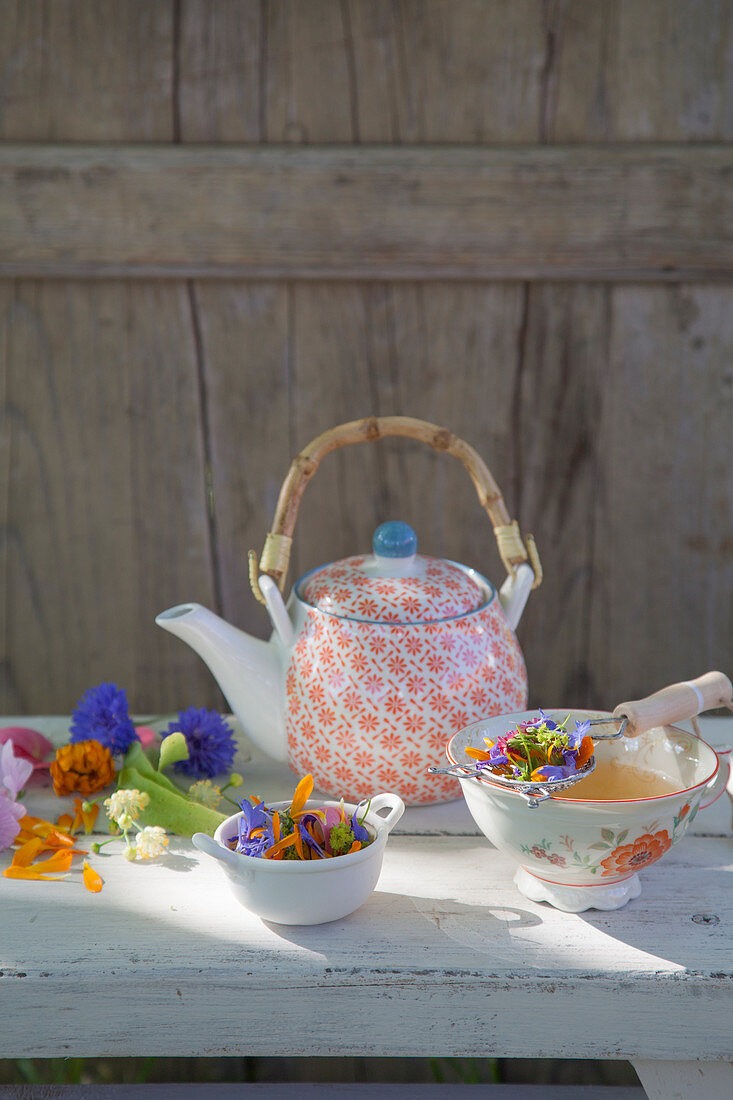 Cough tea made from medicinal flowers