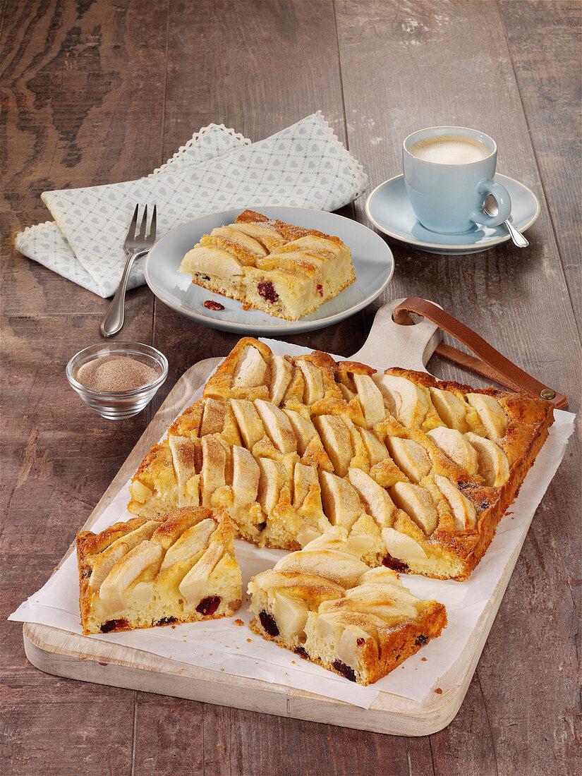 Apple cake with cinnamon and sugar