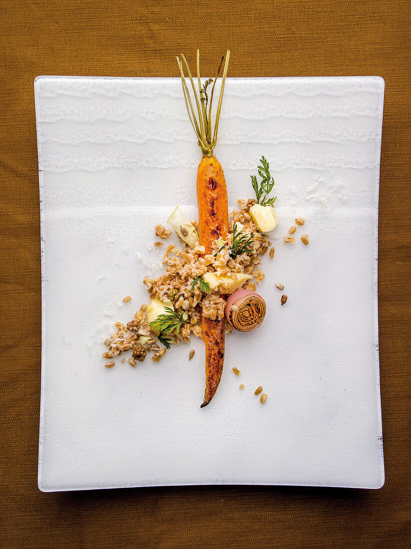 Spelt risotto with carrots and mountain cheese