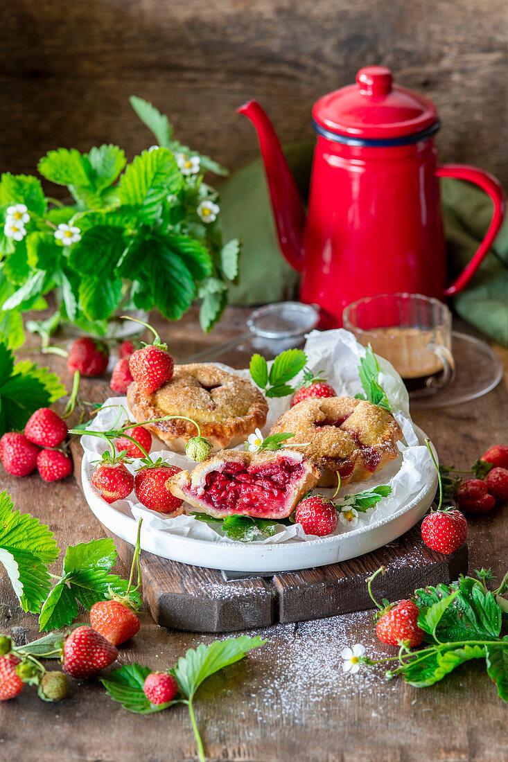 Strawberry mini pies