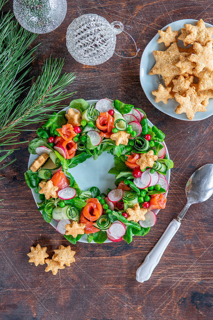 Wreath salad with salmon for Christmas