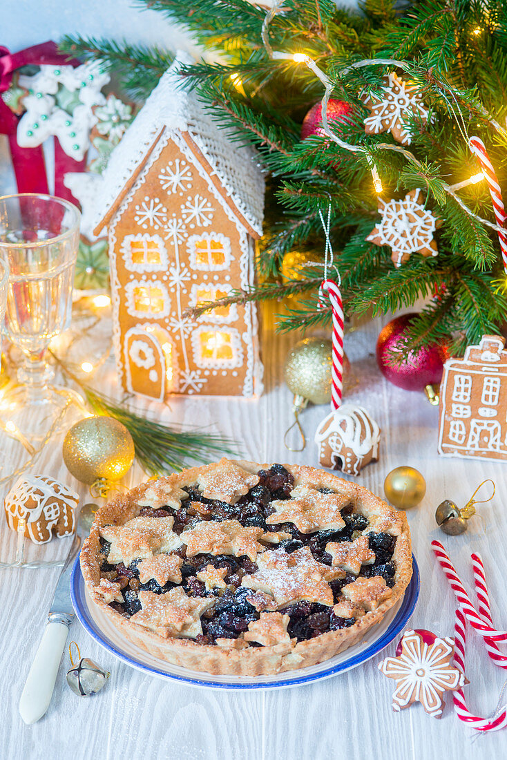 Christmas fruit pie