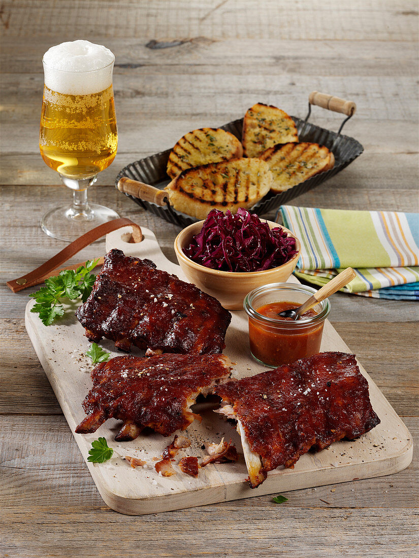 Grilled spare ribs with mango ketchup