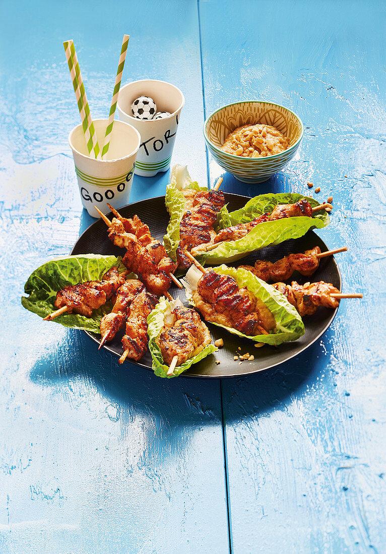 Satay kebabs with peanut sauce (football evening)