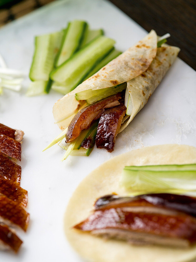Peaking duck with wraps and cucumber (China)