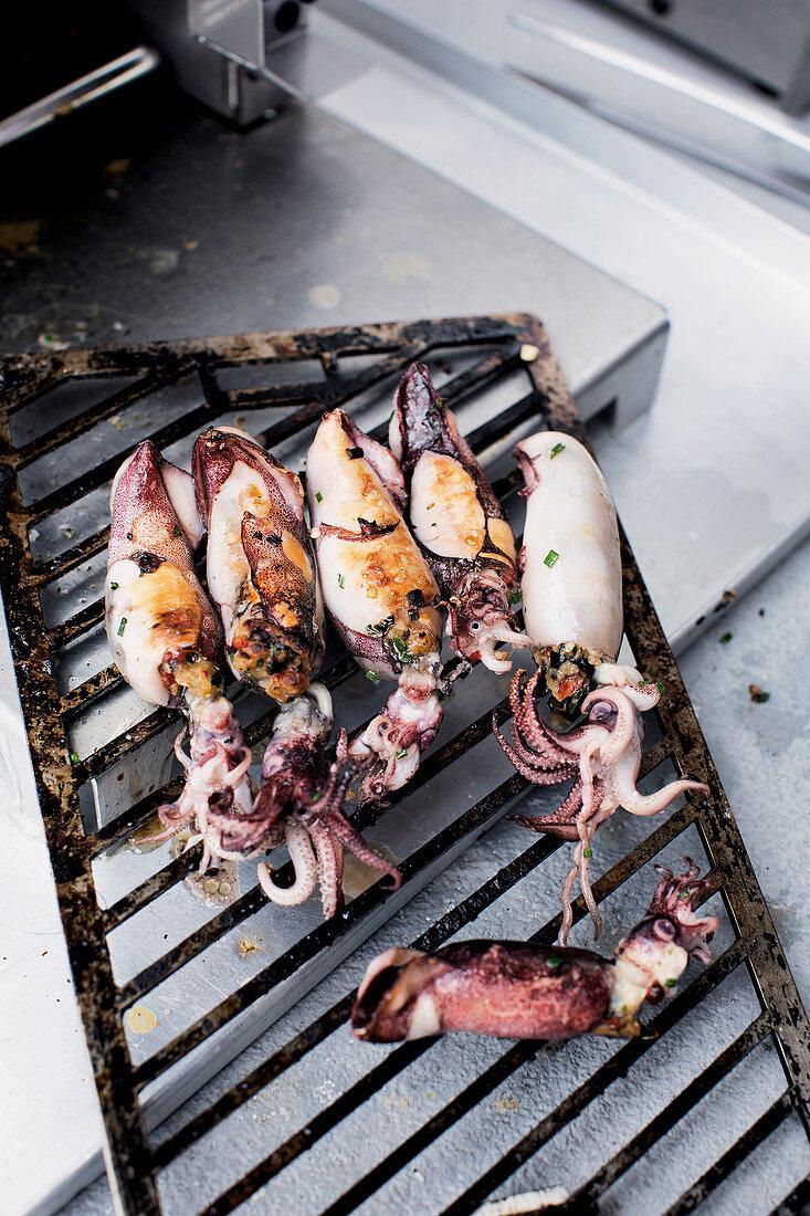 Calamaretti grilled in a Beefer