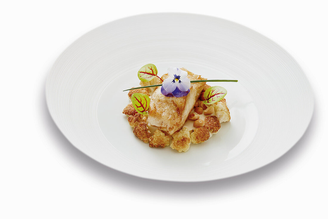 Fried turbot with a champagne sauce and mashed cauliflower