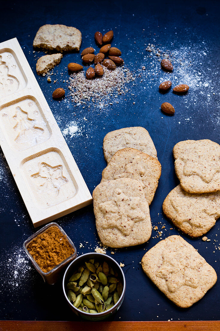 Spiced vegan German Christmas shortcrust biscuits
