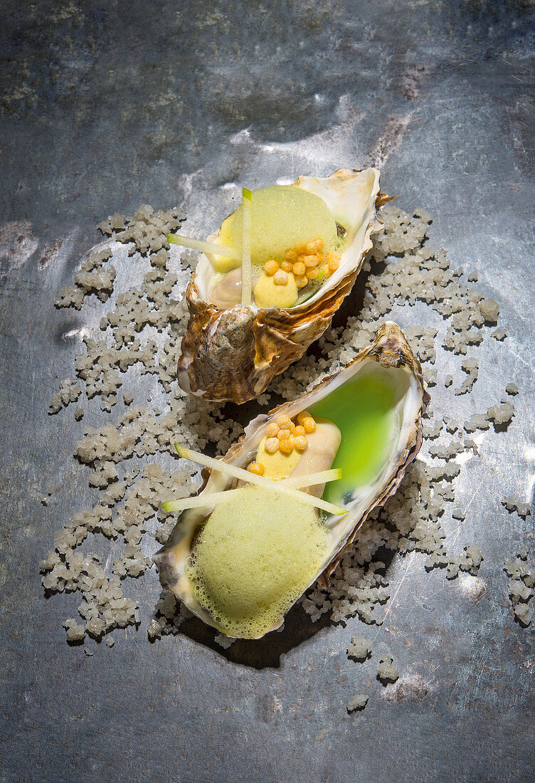 Oysters with apple and curry