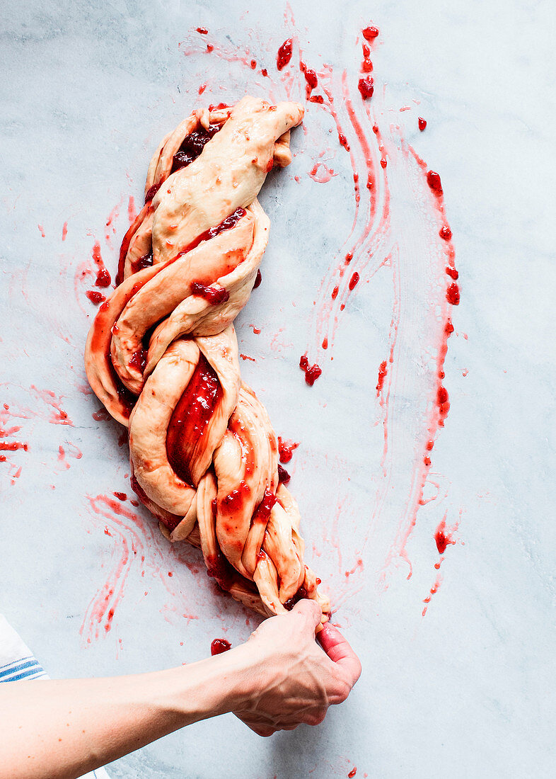 Erdbeerbrioche zubereiten