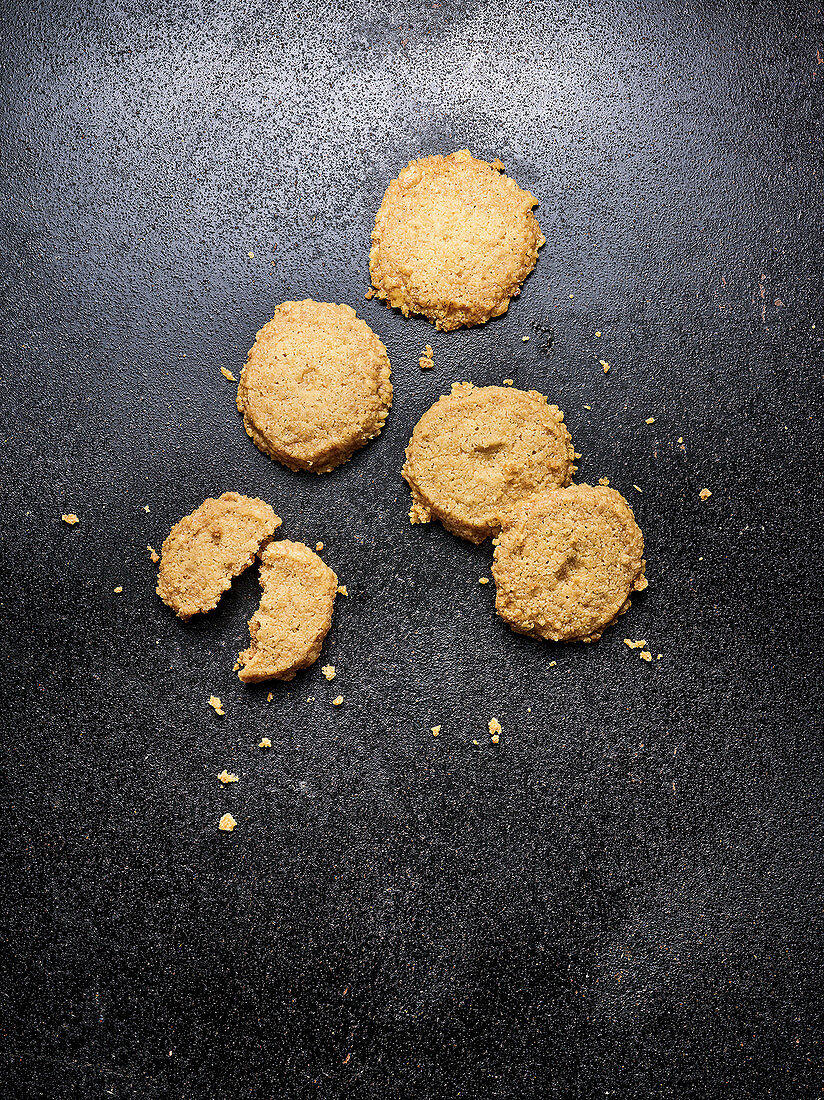 Schmalznüsse (shortcrust biscuits from Northern Germany)