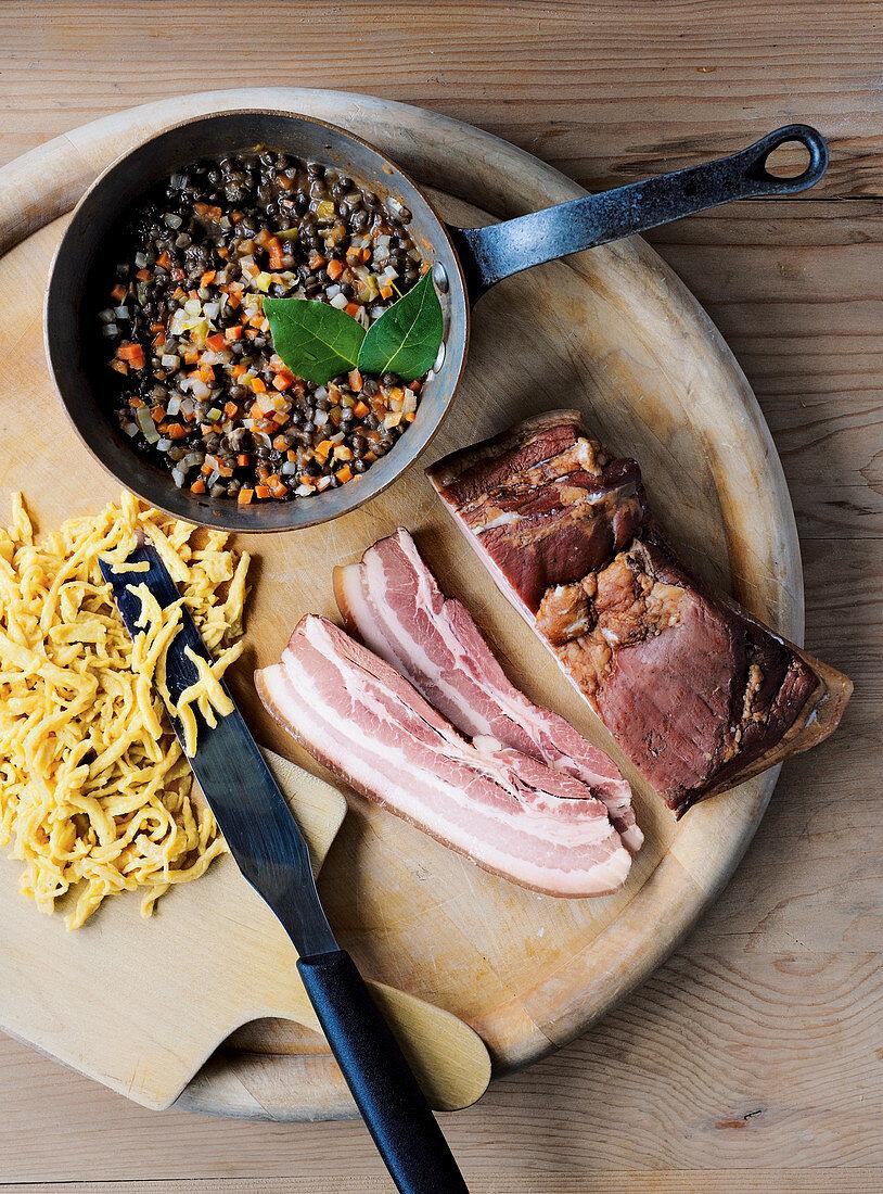 Gerauchter Schweinebauch mit schwäbischem Alb-Leisa-Gemüse