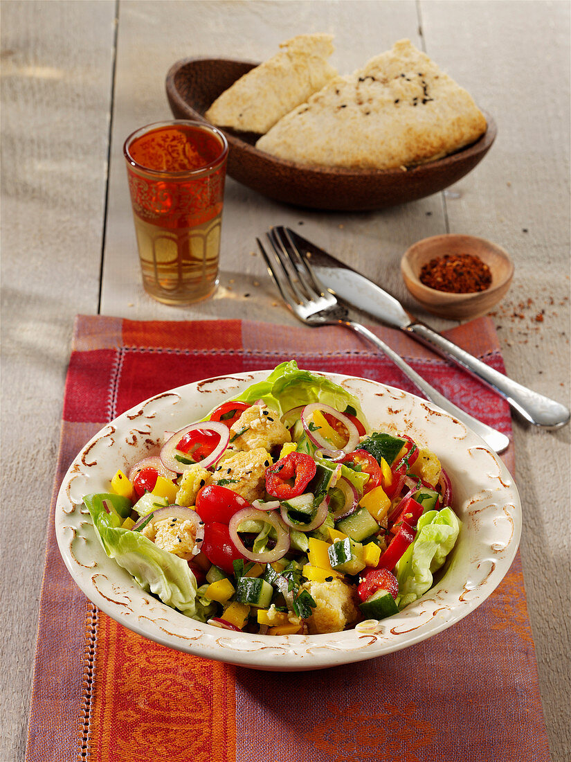 Fattoush – oriental vegetable salad with mint