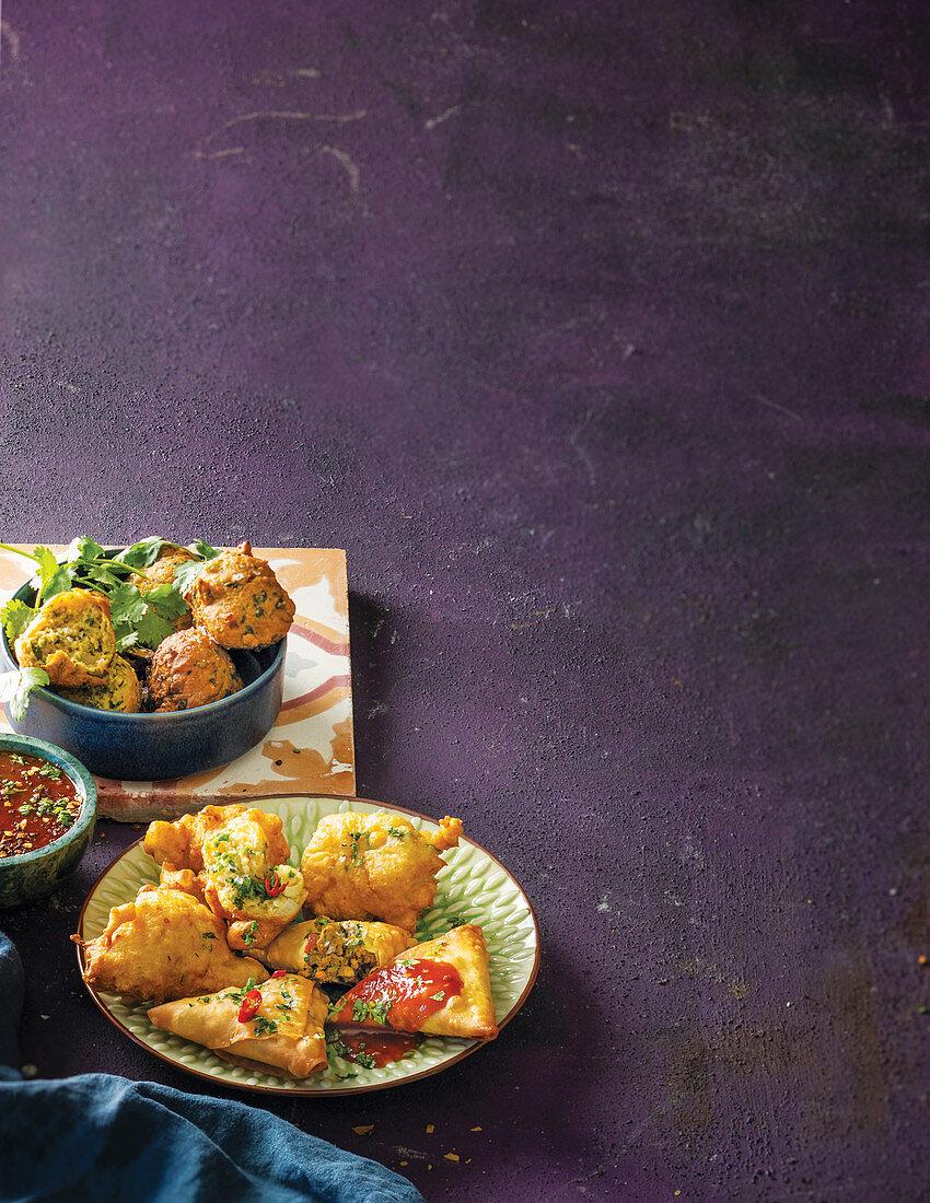 Ramadan dhaltjies, sweetcorn fritters and samoosas with tomato apricot dip