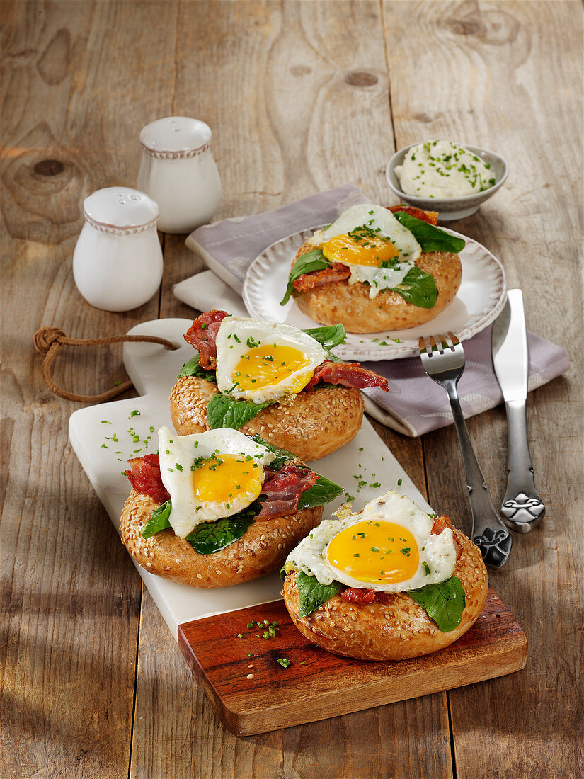 Spiegelei-Bacon-Bagel
