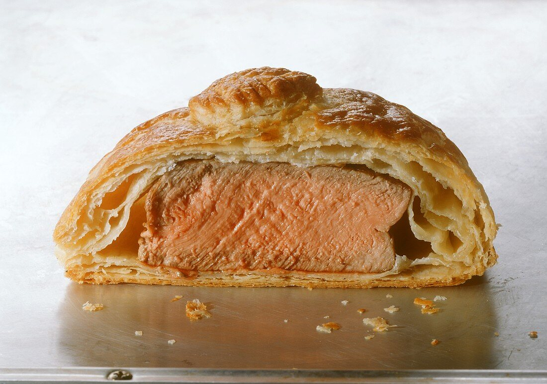 Filet Wellington (beef fillet in puff pastry, cut open)