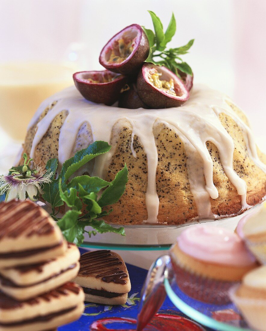 Passion fruit & poppy seed gugelhupf & various small cakes