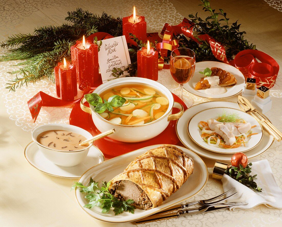 Four-course menu with soup, fish, roast and cake