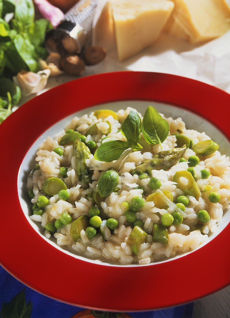 Risotto verde (risotto with green asparagus and peas)