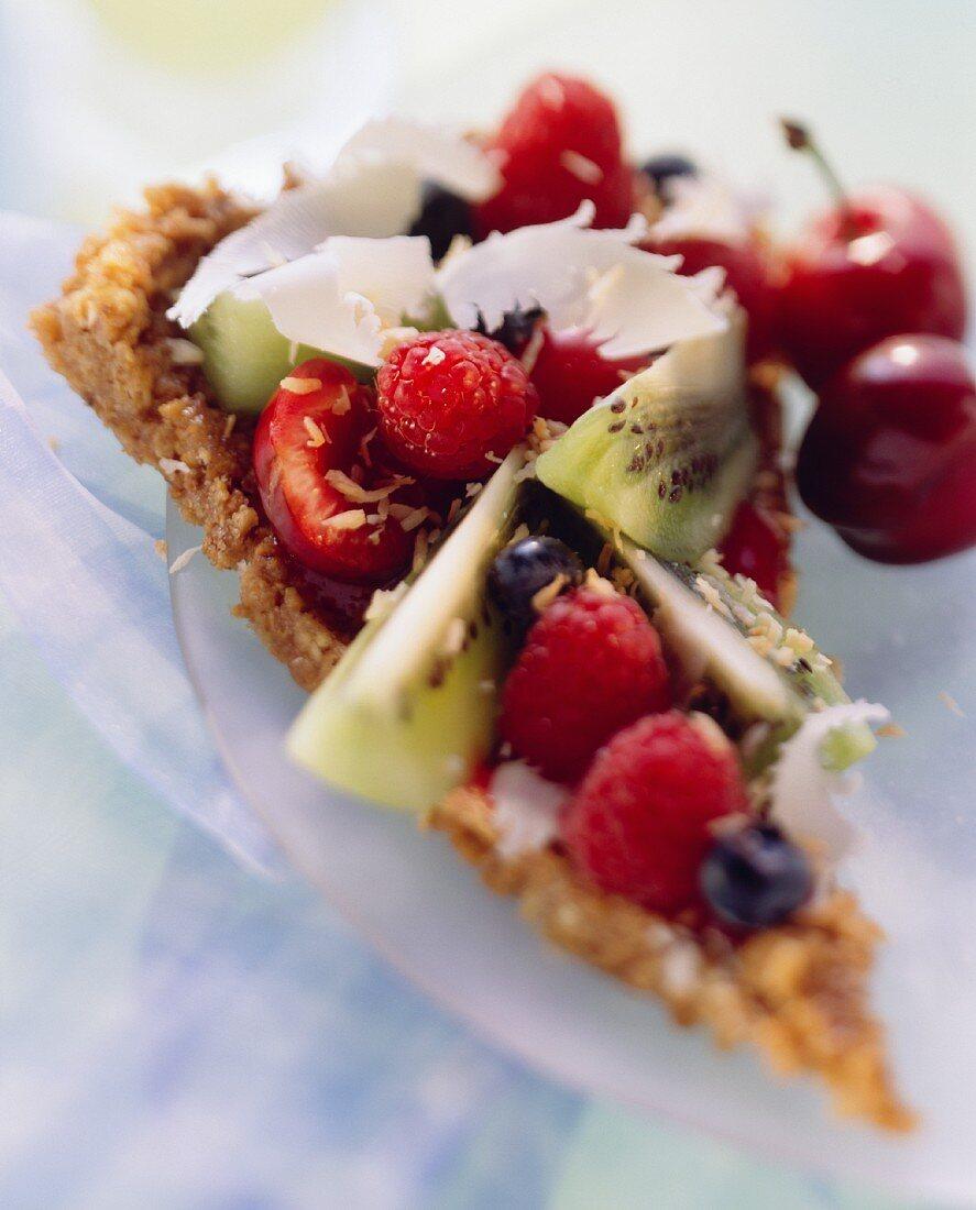 Fruit pizza; fruit on crispy amarettini base
