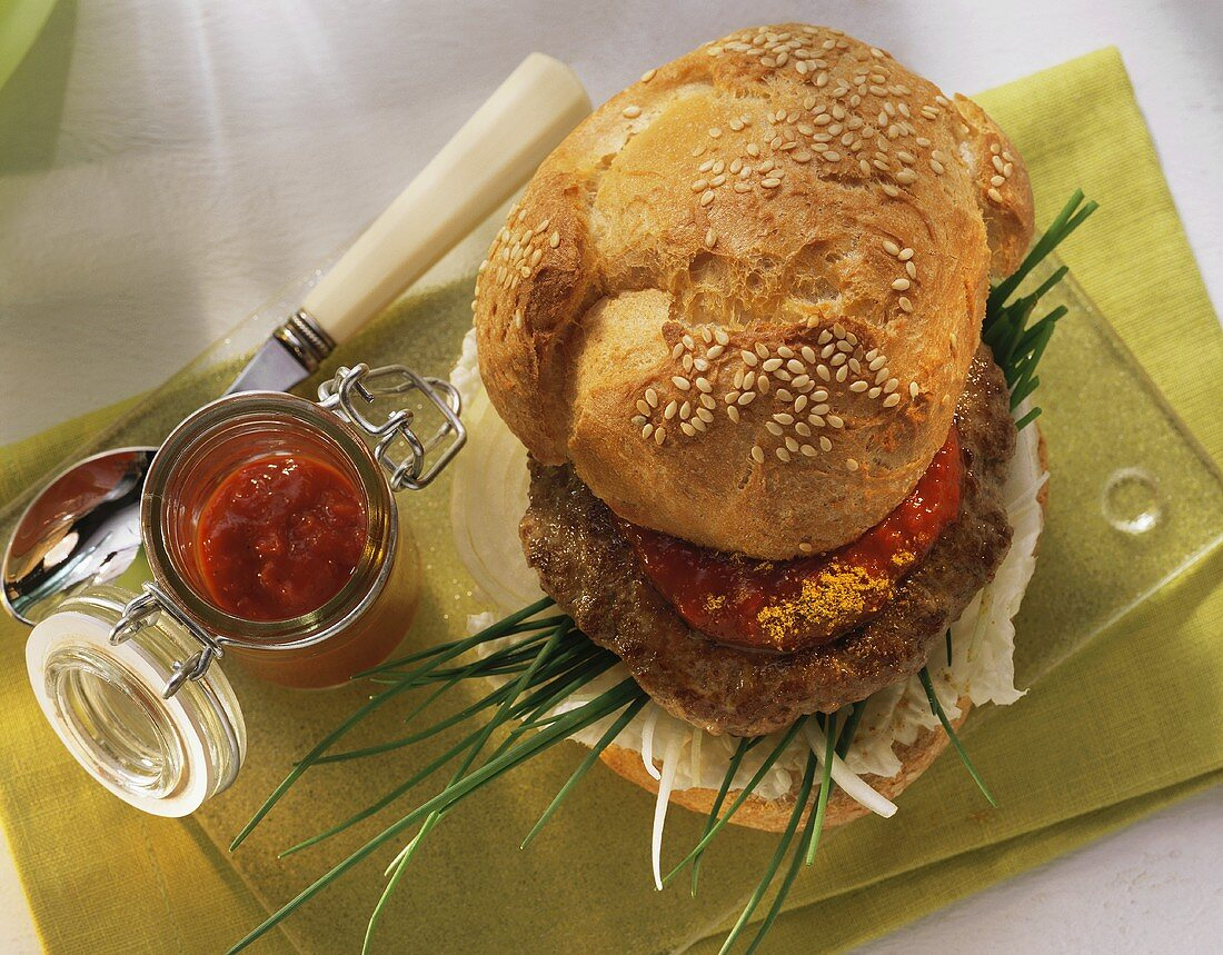 Curry burger with pepper mousse