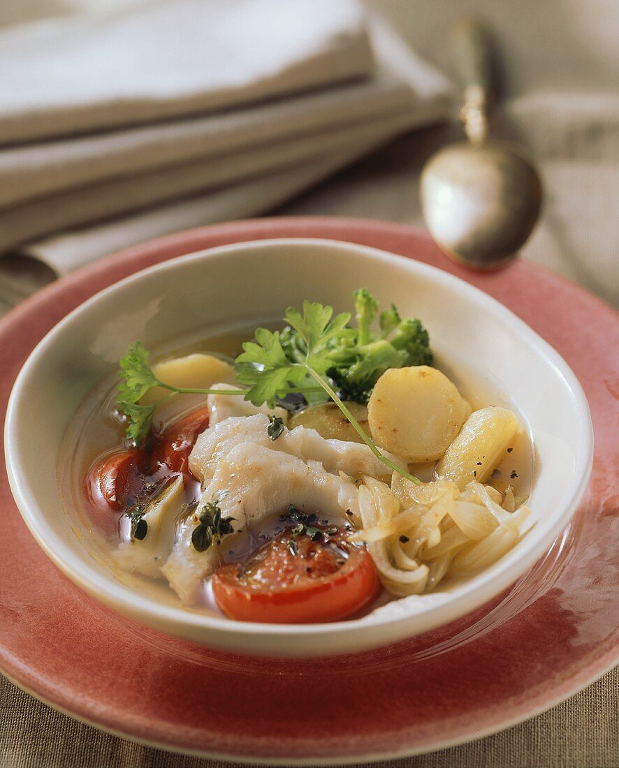 Vegetable stew with pike-perch