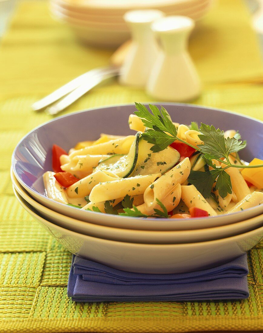Penne with vegetable sauce