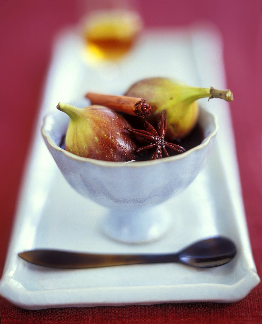 Fresh Figs in Red Wine Sauce