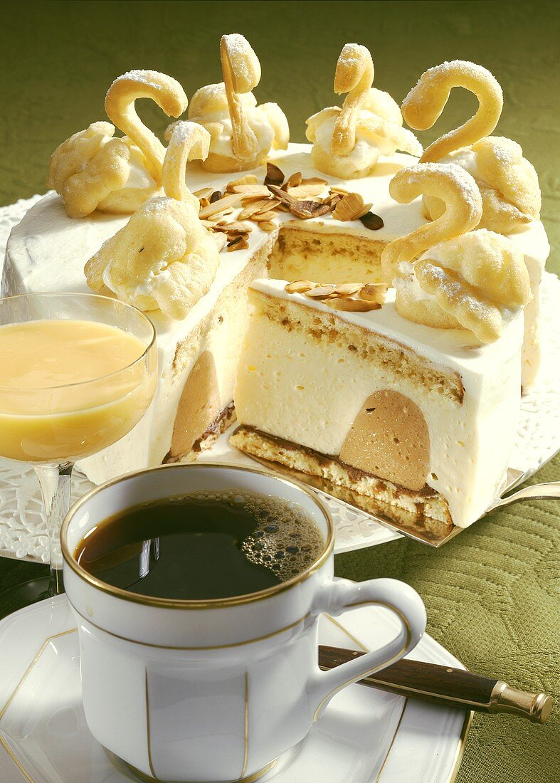 Advocaat gateau with swans