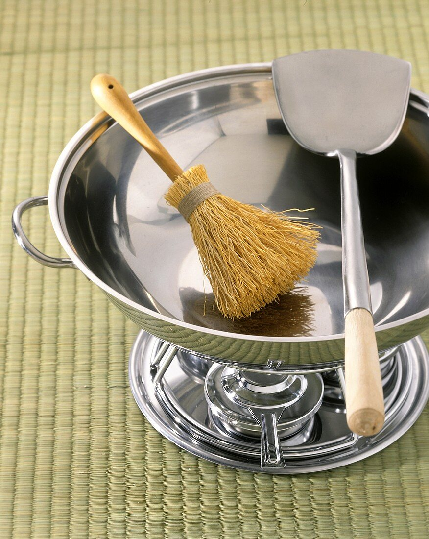 Stainless Steel Wok with Brush