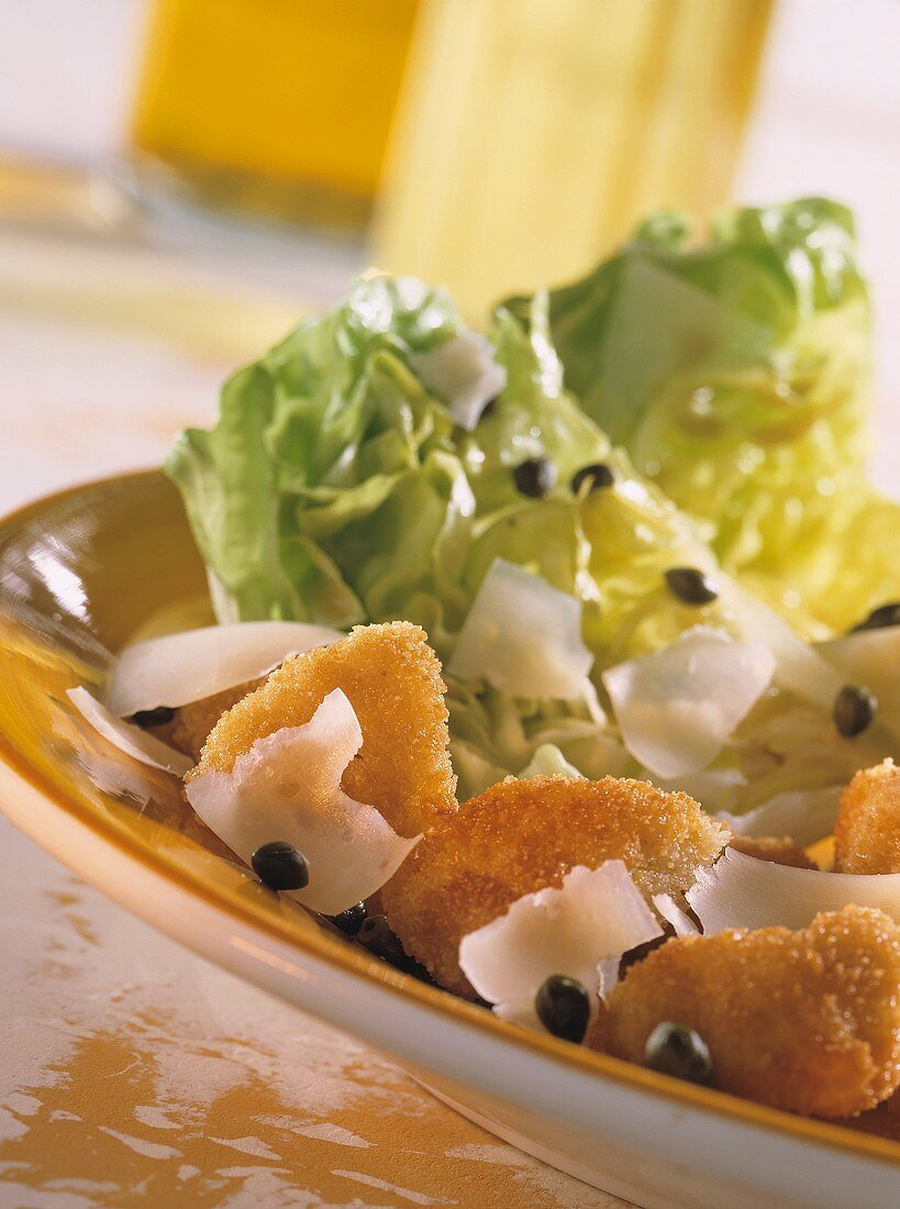 Breaded veal sweetbread with lettuce hearts