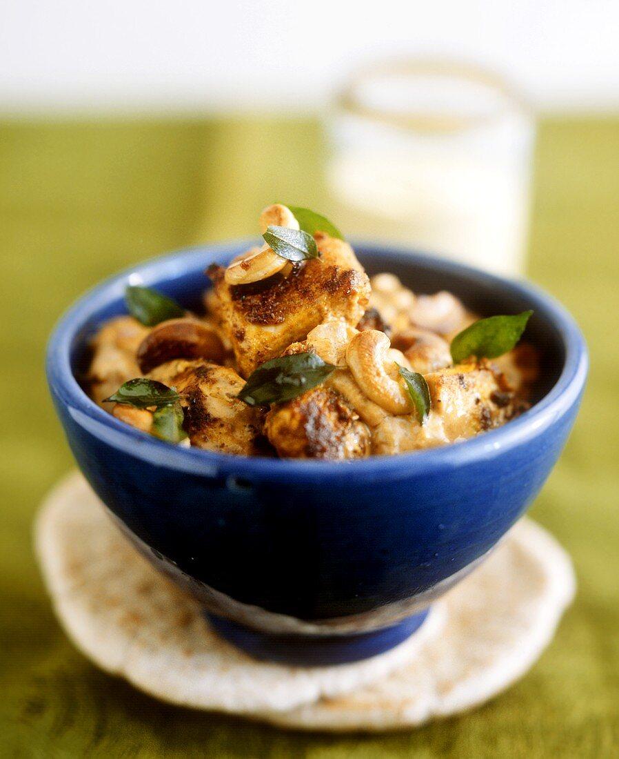 Chicken masala with cashew kernels