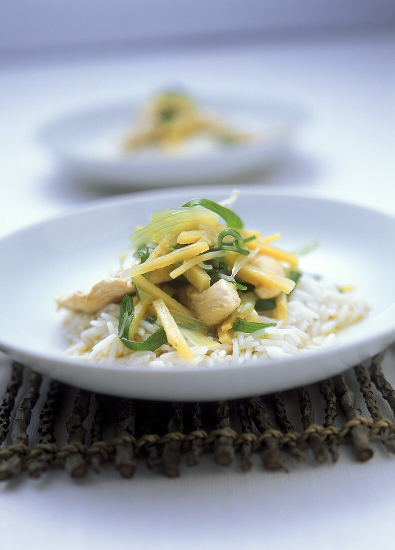 Chicken strips with lemon & bamboo sprout sauce on rice