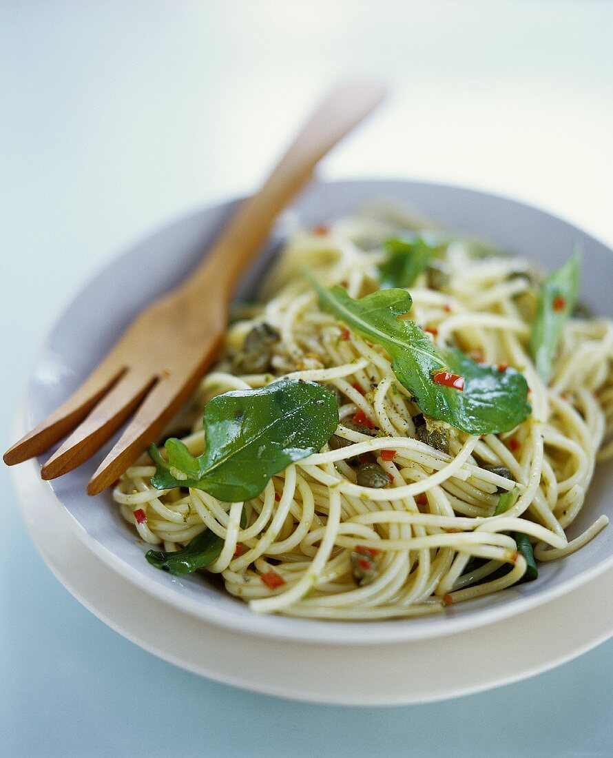 Spaghetti all'abruzzese (Pasta with rocket, capers and chili)