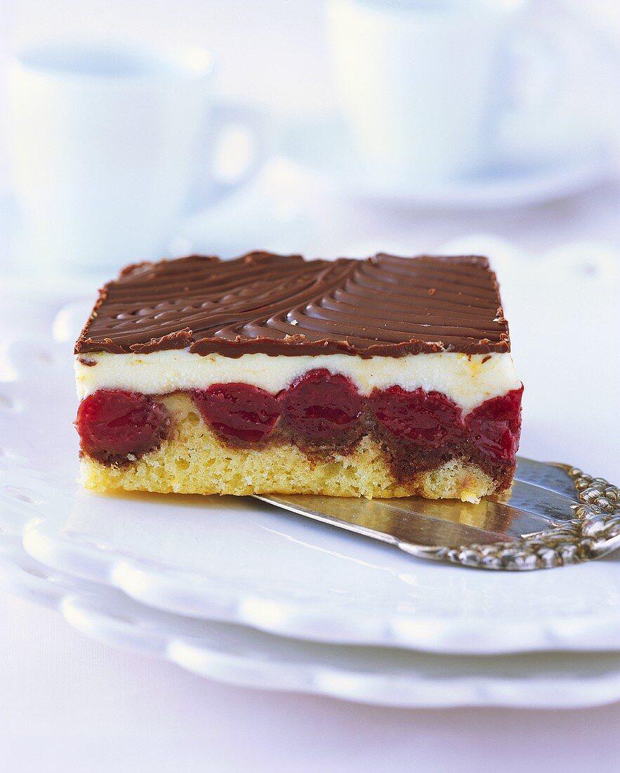 'Waves on the Danube' on cake slice