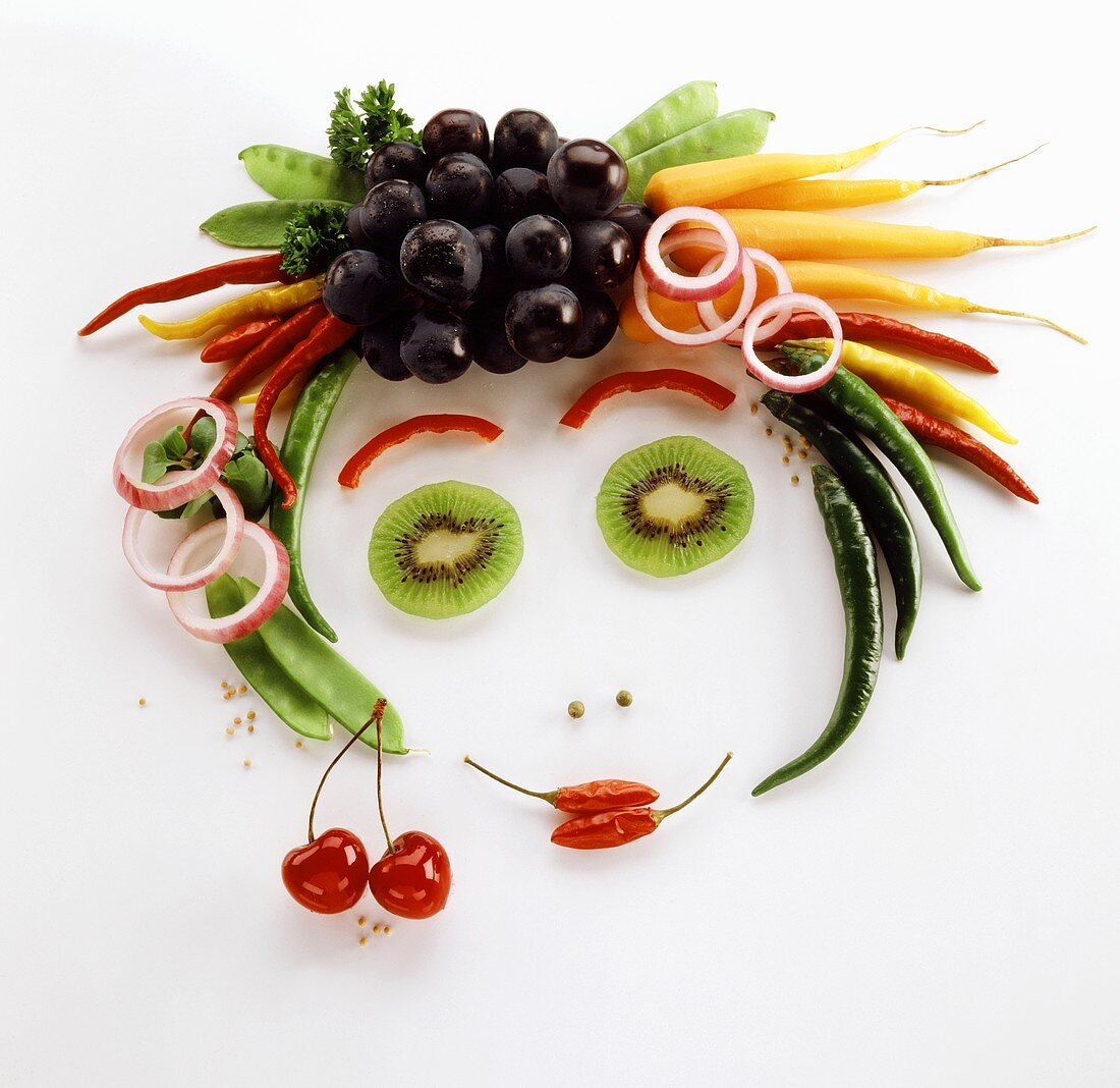 Face made from fruit and vegetables