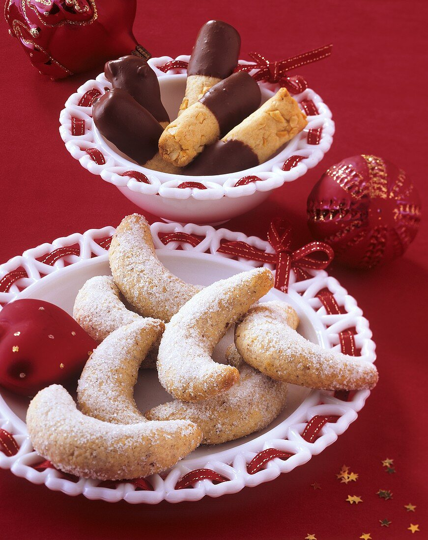 Cashew sticks and vanilla crescents (sweet pastry)