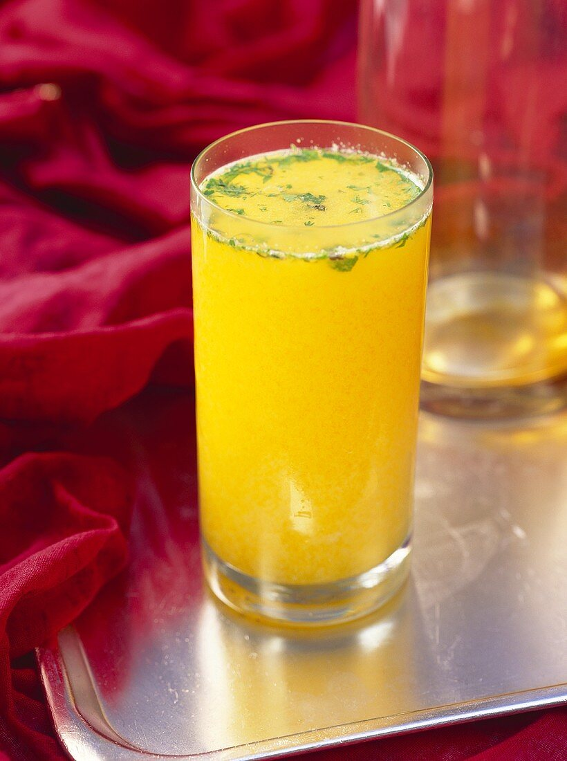 Panna sherbet (mango drink, India)